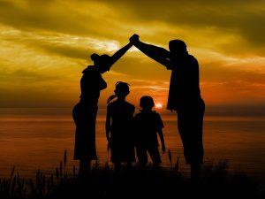 family-1466262_1920